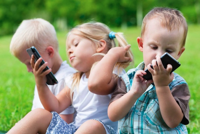 дети с гаджетами фото